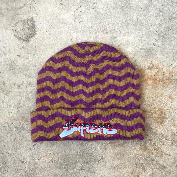 0c9db565e58 Supreme Purple Zig Zag Beanie FW17 Deadstock. M 5b8059e8d365be5bb5ec27a4